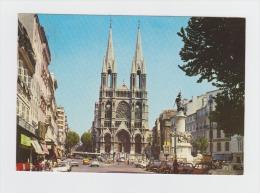 13 - Marseille - Le Monument Des Mobiles - N°119 - GARAGES Des Capucines RENAULT Pompe Essence 2CV CITROEN Rouge/jaune - Sin Clasificación