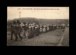 29 - CHATEAULIN - Une Noce - Costumes - Coiffe - Sonneur - Châteaulin