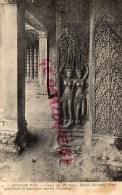 ASIE - CAMBODGE - ANGKOR VAT - COURS DU 1ER ETAGE- DETAIL DECORATIF D' UN PIED DROIT ET DANSEUSES SACREES TEVADAS - Cambodge