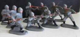 Figurine Lots De Neuf Soldats Allemand De La Première Guerre, Peint - Militaires