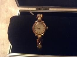 Montre Mécanique Court  Cadrant Plaquer Or - Watches: Old