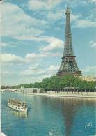 Paris  -  La Tour Eiffel  Vue Du Quai De Passy,  Bateau Mouche Sur La Seine - Eiffelturm