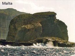 1 AK Malta * Fungus Rock Ist Eine Kleine, Der Insel Gozo Im Westen Vorgelagerte Insel * - Malta