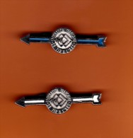 SPORT -  anciens insignes de la f�d�ration Fran�aise de tir � l�arc  ,  fl�che blanche et bleue
