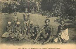Réf : A14 -1154  :  Nouvelles Hébrides Ile Ambrym  Groupe D'indigènes - Postcards