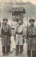 Tonkin - Région De Caobang, Quang-Uyen, Femmes Nongs Et Jeune Homme - Vietnam