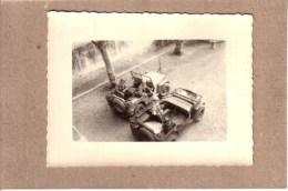PHOTOS - GUERRE D´ALGERIE - PHOTO - 2 JEEPS DONT UNE POUR LES TRANSMISSIONS - JEEP HOTCHKISS ?? - Guerre, Militaire