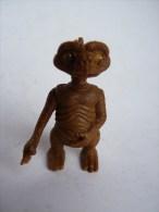 FIGURINE E.T. Rare AVEC ATTACHE SUR LE TETE, Tête Yeux Riboulants - Figurines