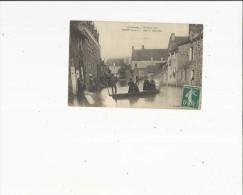 Guipry  35     La Rue Du Vieux Port Animée  Pendant Les Inondations Le 2 Dec 1910 - France