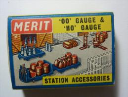 """MERIT """"00"""" Gauge. Station Accessories. Miniature. - Jeux Et Jouets"""