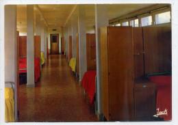 LANNION --- Lycée Félix  LE DANTEC--- Un  Dortoir ,cpsm 10 X 15  éd Jack - Lannion
