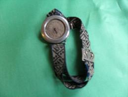 ANCIENNE  MONTRE  BRACELET / POUR FEMME  / ANNEE A IDENTIFIER ( LIRE DESCRIPTION ) - Horloge: Antiek