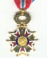 Médaille LE MERITE Croix Etoile - France
