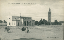 MAROC  MARRAKECH / La Poste Et La Koutoubia / - Marrakech