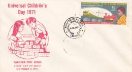 Pakistan 1971 Universal Children Year FDC - Pakistan