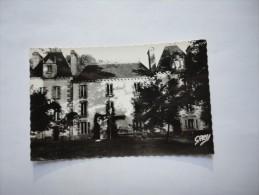 PLOUER SUR RANCE Château Du Chêne Vert.Colonie Jeanne D' Arc - France