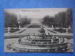 78-VERSAILLES Chateau , Le Tapis Vert - Sculptures