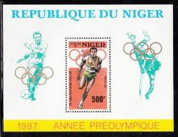 Niger MNH Scott #758 Souvenir Sheet 500fr Runner - 1988 Summer Olympics Seoul - Niger (1960-...)