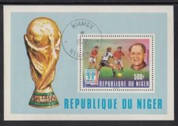Niger Used Scott #417 Souvenir Sheet 500fr Sepp Herberger, Germany - 1978 World Cup Soccer Argentina - Niger (1960-...)