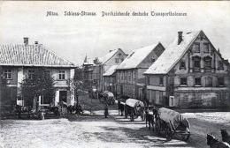 MITAU (Lettland) Schlosstrasse Durchziehende Deutsche Transportkolonnen, Karte Als Feldpost Gelaufen 1916 - Lettland