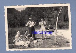 Photo Ancienne - Pique Nique Devant Belle Automobile PEUGEOT 403 - TOP - Automobili