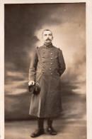 Carte Photo , Portrait D´un Militaire En Tenue - Guerre 1914-18