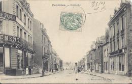 Cp 59 FOURMIES Rue Grande  (  Habitation Commerce Vêtement  ) Animée - Fourmies