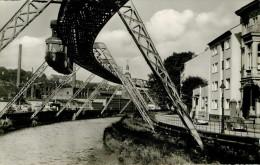 Allemagne - Voitures - Automobile - Chemins De Fer Trains Monorail  Wuppertal Barmen -Schwebebahn An Der Wertherbrücke - Wuppertal