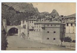 Entrevaux (04) - Les Remparts Et Le Pont - Sonstige Gemeinden