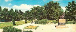 Kadriorg Kreitsvold Monument And Park Tallinn Estonia Postcard 1969 - Estonia