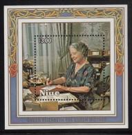Niue MNH Scott #479 Souvenir Sheet $3 Queen Mother Writing Letter - 85th Birthday - Niue
