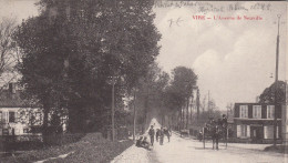 CPA 14 Vire - L'avenue De Neuville - Vire