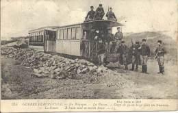 Militaria - En Belgique, La Panne - Corps De Garde Belge Dans Un Tamway - Equipment