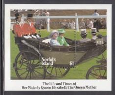 Norfolk Island MNH Scott #368 Souvenir Sheet $3 Queen Mother With Princess Anne At Ascot - Queen Mother´s 85th Birthday - Koniklijke Families