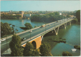 Toulouse: PEUGEOT 403U PLATEAU & 204, AUTOBUS & CAMION - Le Pont Saint-Michel & Les Quais  - France - Voitures De Tourisme