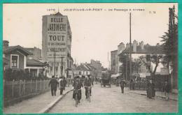 VV - VAL-DE-MARNE (94) - JOINVILLE-LE-PONT - LE PASSAGE A NIVEAU - Joinville Le Pont