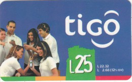 HONDURAS - People On Phone, TIGO Prepaid Card L25, Exp.date 12/06, Used - Honduras