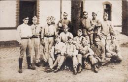 Carte Postale Photo Militaire Français 18 ème Bataillon Chasseurs  Pied (B.C.P) HAGUENAU (Bas-Rhin) Photo Smeets Rue Sel - Caserme