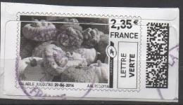 Vignette D'affranchissement Lettre Verte A 2.35 €  Découpe Du Timbre Décalé Par Rapport A L'illustration. - Vignettes D'affranchissement