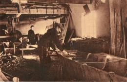 SOULLANS (85) Intérieur D'un Atelier De Fabricant De Yoles Gros Plan - Soullans