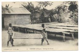 OGOOUÉ (Gabon)  N'KOGO - Séchage Du Cacao - Animée - Gabon