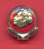 F1474 / Georgi Dimitrov - Bulgarian Communist Politician , Led The Third Comintern - Bulgaria Bulgarie Bulga - Badge Pin - Celebrities