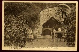 Cpa De Belgique Momignies Hainaut  Forge Philippe  Grotte De Notre Dame De Lourdes LAM24 - Momignies