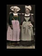 29 - CONCARNEAU - Costumes - Coiffes - - Concarneau