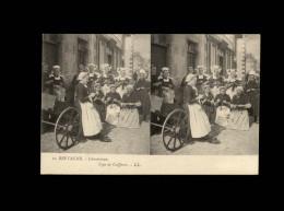 29 - CONCARNEAU - Costumes - Coiffes - Carte Stéréo - Concarneau