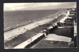 CARTE POSTALE - LYON SUR MER (14) La Plage- Au Départ De CAEN Le 25/8/1959-2 Timbres Taxe N°77 - France
