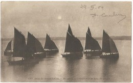 Dépt 29 - DOUARNENEZ - Bateaux Arrivant Sur Le Lieu De Pêche - Douarnenez