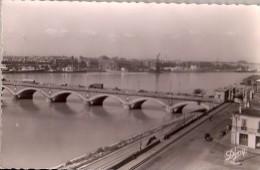 BORDEAUX: Le Pont Et Le Port Vus De La Bastide - Bordeaux