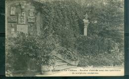 N°8   -   DOURDAN   -   Escalier D'entrée Avec Des Spécimens De Sculptures Anciennes  - Gl206 - Dourdan