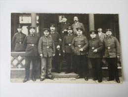 AK / Fotokarte 1. Weltkrieg Soldaten In Uniform / Offiziere / Führungsriege ?? 1915 - Personajes